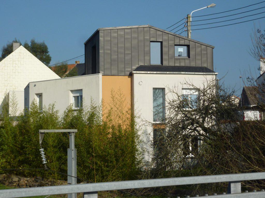 surélévation zinc maison Nantes